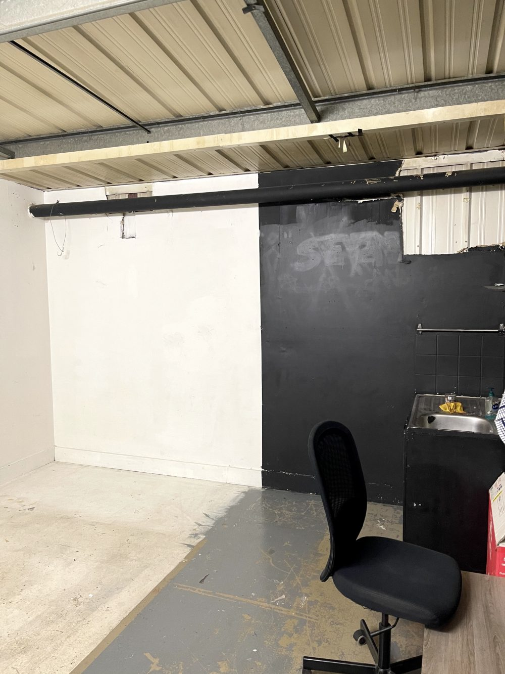 Light indurstrial unit to rent in N16 Stoke Newington Shelford Place PIc4