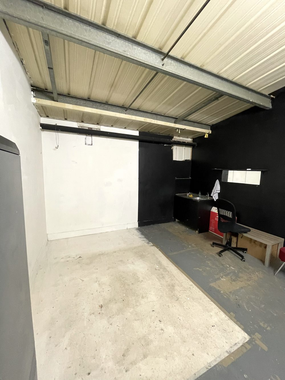 Light indurstrial unit to rent in N16 Stoke Newington Shelford Place PIc6