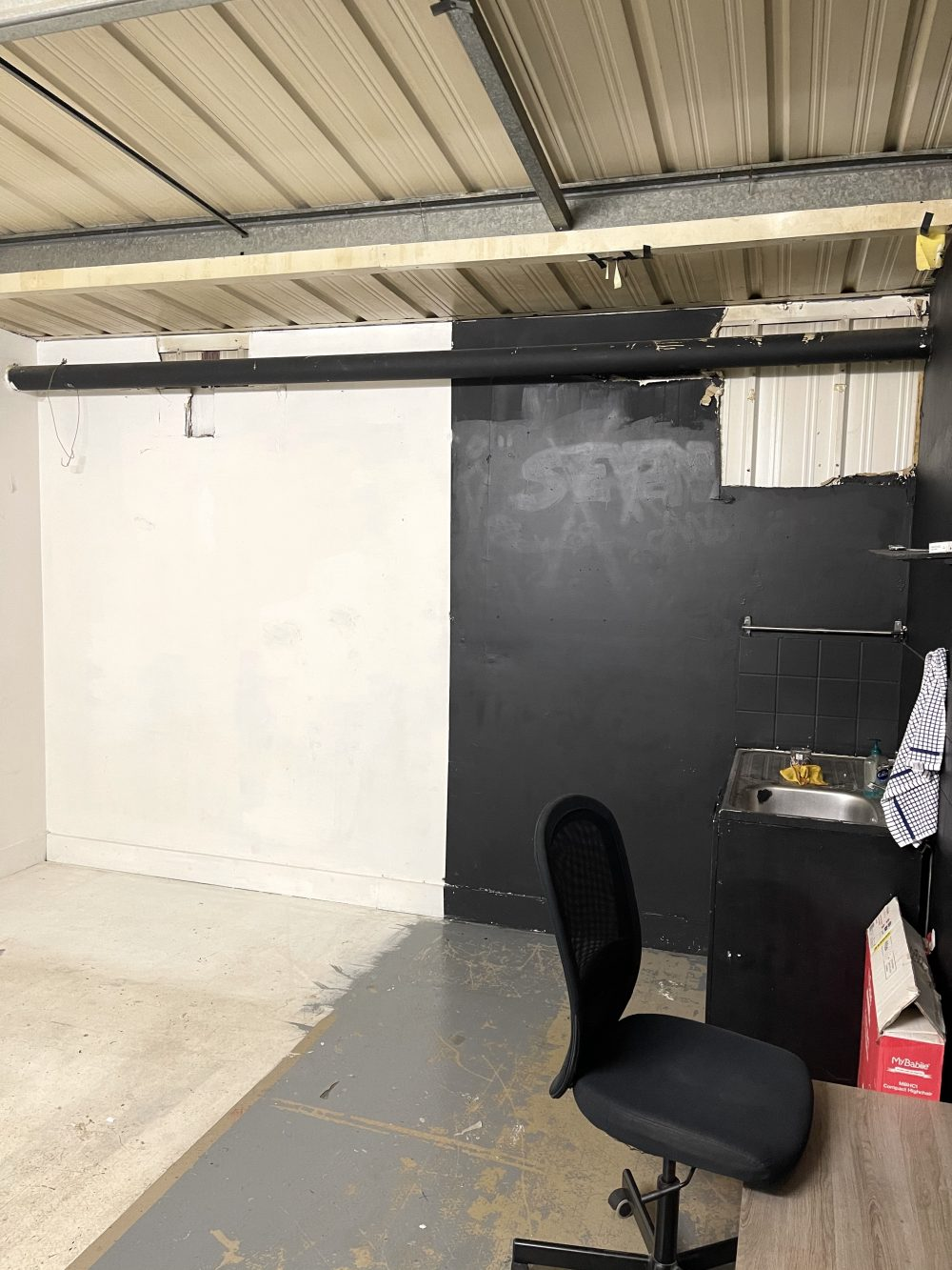 Light indurstrial unit to rent in N16 Stoke Newington Shelford Place PIc8
