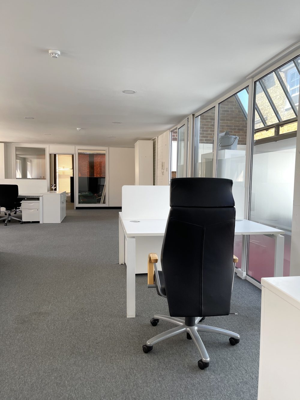 Creative Office Studio available to rent in Kennington SE11 Pic9